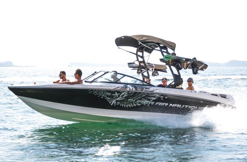 Super Air Nautique - Wake Board Boat