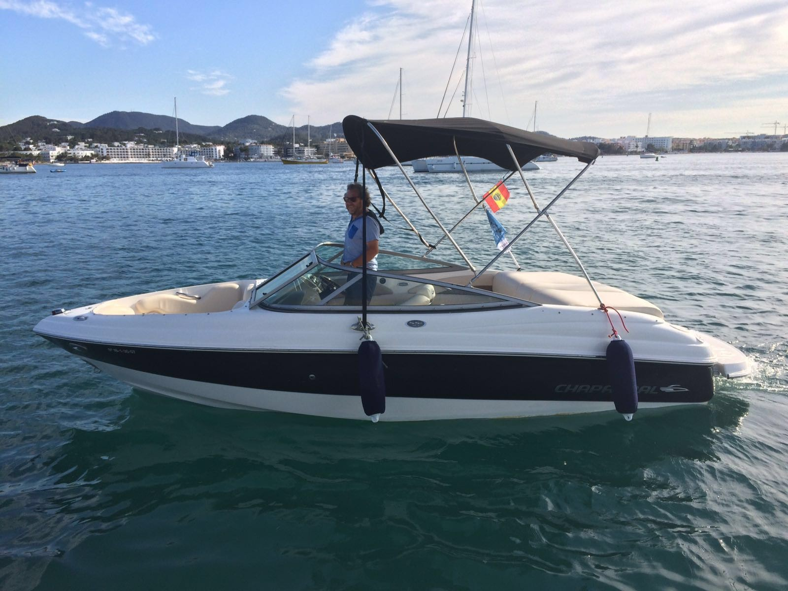 Chaparral 190 SSI Power Boat